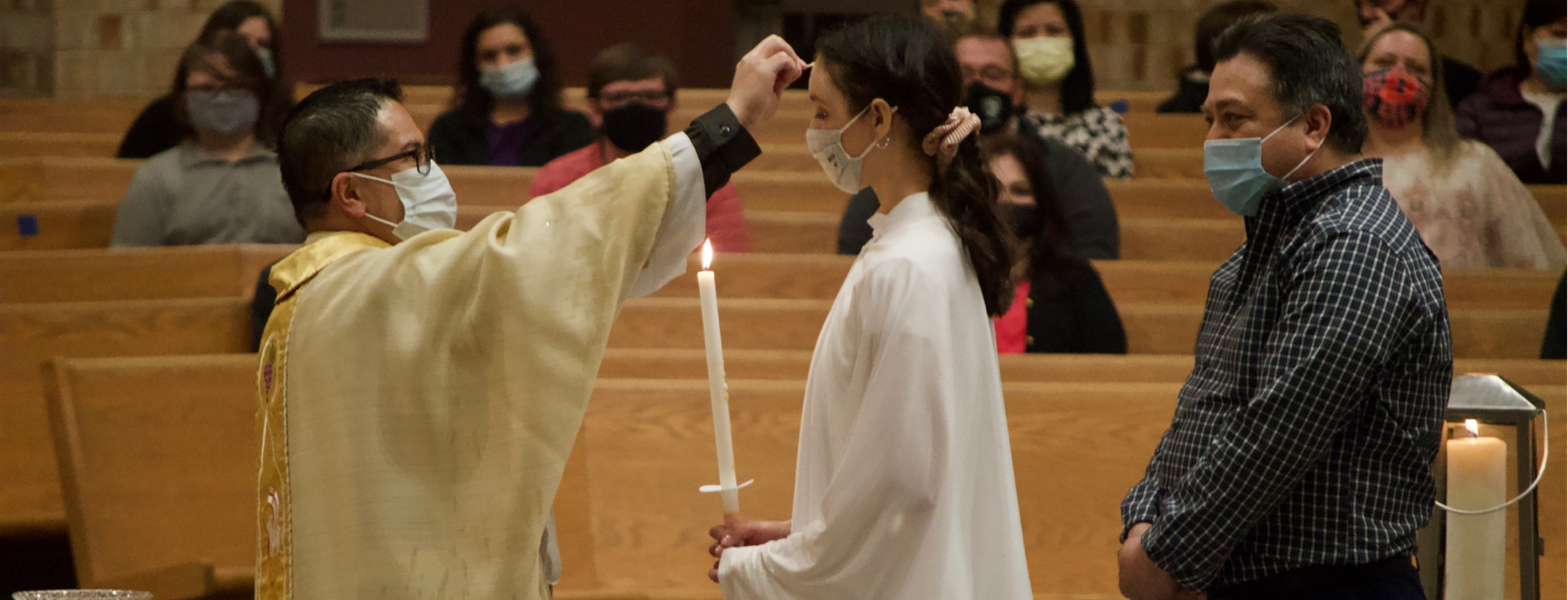 EasterVigil_anoint_H800